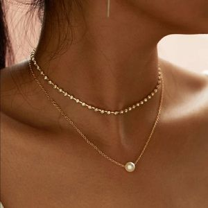 3/$30 💛 Faux Pearl Rhinestone Layered Necklace